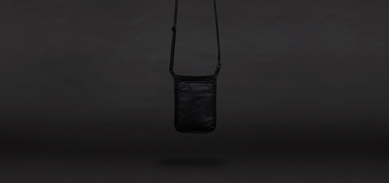 NECK POUCH STANDARD S BLACK